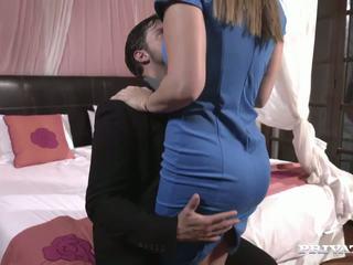 menyecske nagy péniszekkel hogyan lehet meghosszabbítani az erekciót egy srác számára