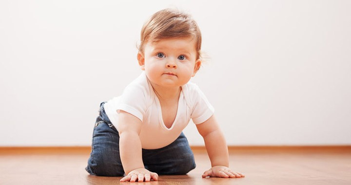 egy 2 éves fiúnak merevedése van)