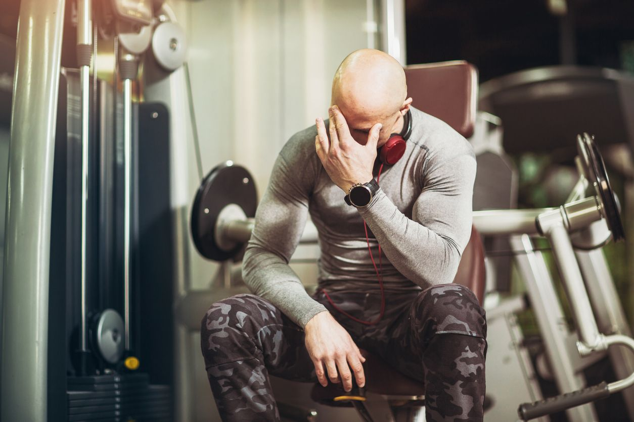 Melyek az alacsony tesztoszteron szint tünetei? Hogyan szüntethető meg? - GymBeam Blog