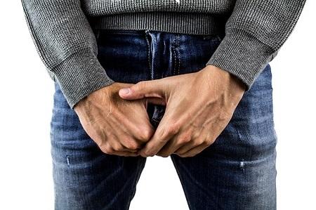 a pénisz állandó izgalma