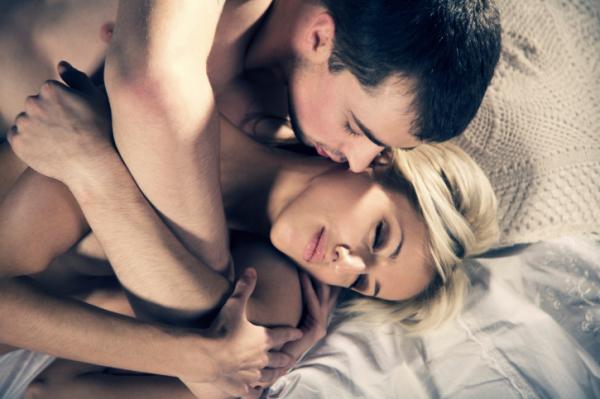 női éjszakai erekció)